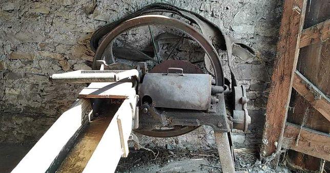 Sieczkarnia metalowo-drewaniana