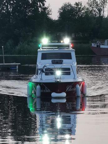 Czarter bez patentu Jacht motorowy Onedin650 od199złDoba 2-4 os Mazury