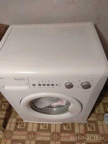Продам срочно стиральную машину Веко