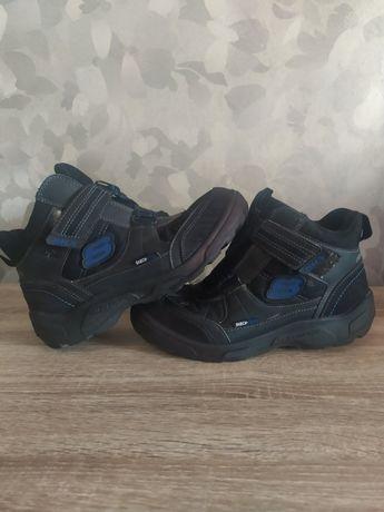 Skechers термо ботинки  24см.