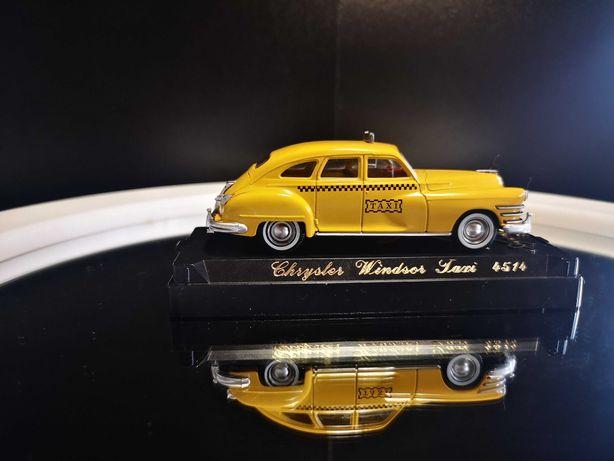 Linda miniatura Chrysler Windsor Taxi - 1948 da Solido, escala 1/43