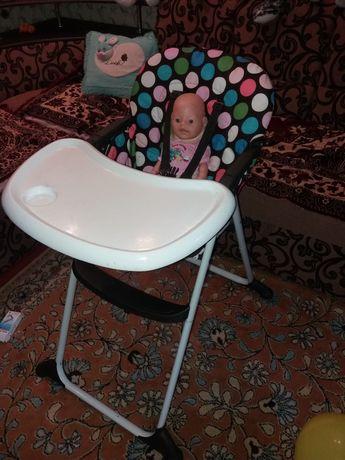 Раскладной стульчик для кормления малыша