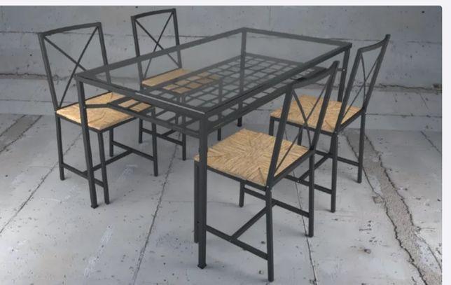 szklany stół z krzesłami