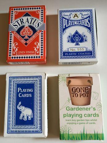 Karty do gry cztery komplety.