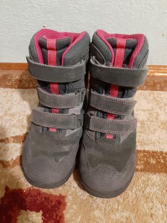 Зимние ботинки для девочки фирма Ecco