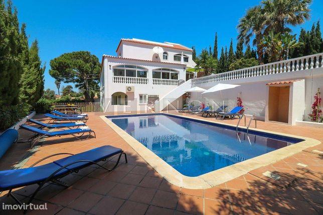 Algarve Carvoeiro, para venda, vivenda de 4 quartos com piscina e apar