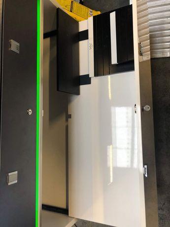 Gablota witryna na zegraki certina podświetlana