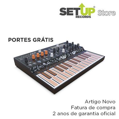 Sintetizador Arturia Microfreak - NOVO (2 unidades disponíveis)