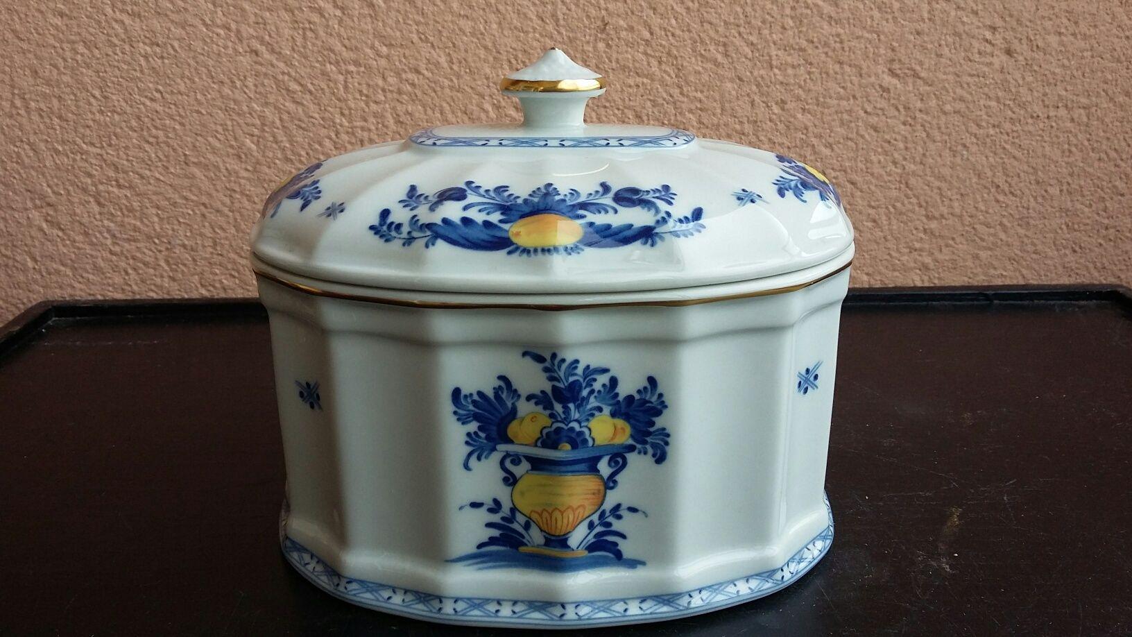 Caixa Diogo Vista Alegre colecção Viana
