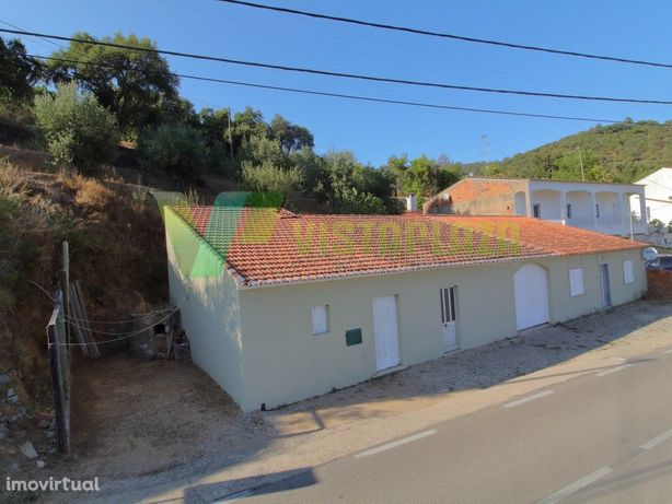 Casa Térrea, Monchique (Casais), Terreno Misto.