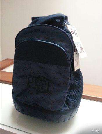 Vendo mochila nova, ainda com etqueta