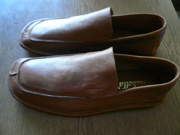 продам новые кожаные мужские туфли 43размер Италия