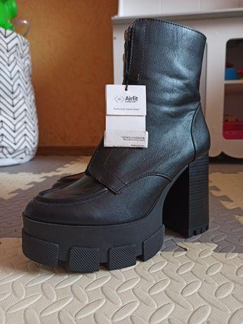 Ботинки туфли, ботіночки Bershka 39-40