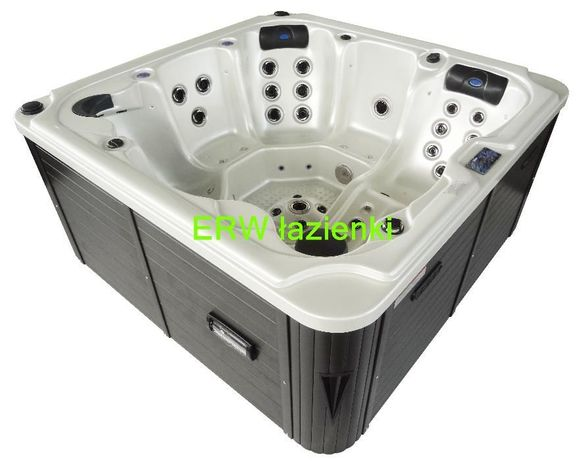 jacuzzy spa 102