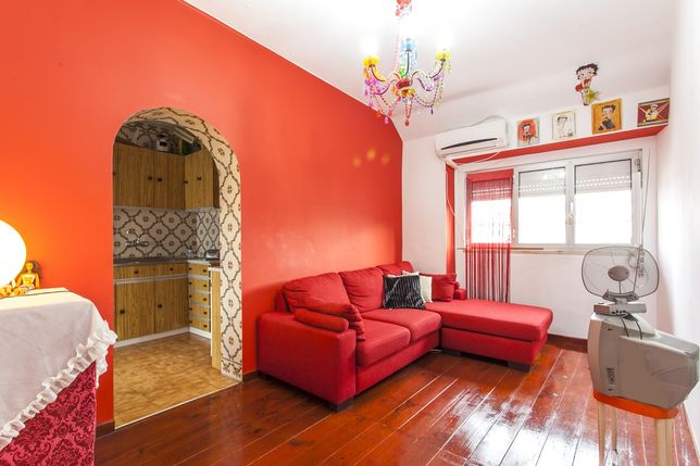 Vendo Apartamento T2 a 500metros do metro das Olaias