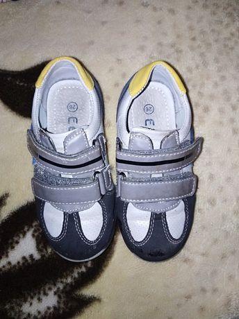 Кроссовки, ботинки р. 26