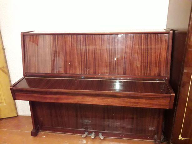 Продам пианино Украина производства черниговского завода