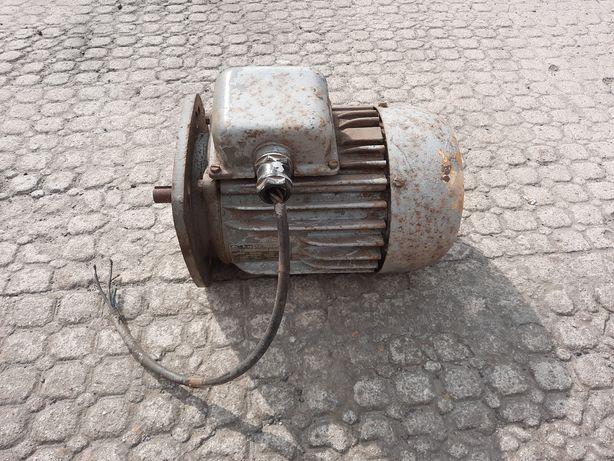 Silnik elektryczny 0,4 kW trójfazowy