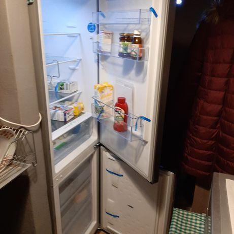 Sprzedam lodówkę Amica FK2695.4FTX z 2020 r.