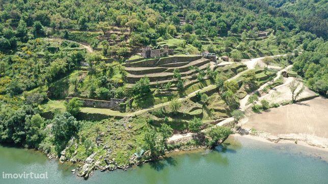 Quinta no Douro com Praia Fluvial