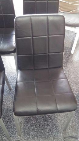 Vendo 4 cadeiras para desocupar