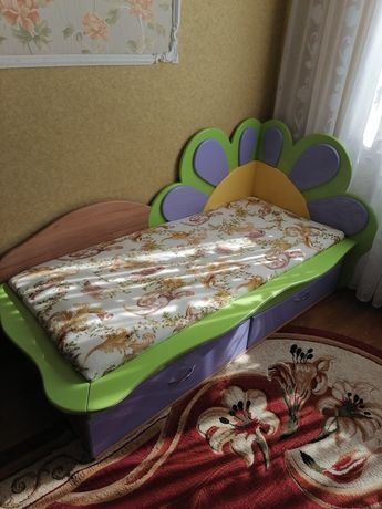 Ліжко, кровать з дзеркалом