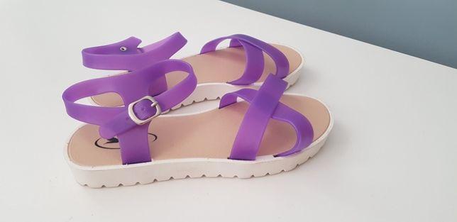 Sandały 23cm