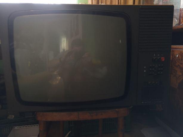 Przedmiot retro telewizor UNITRA ANTARES 23-3 stan dobry działający!