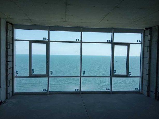 * Аркадия. 3 комн. квартира с прямым видом на море.