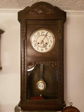 Zegar wiszący skrzynkowy