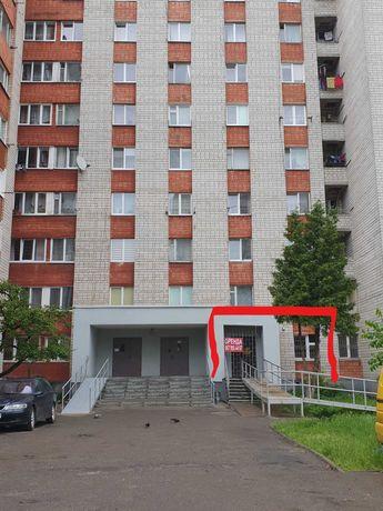 Фасадне комерційне приміщення з орендарями по вул. Лінкольна, 29
