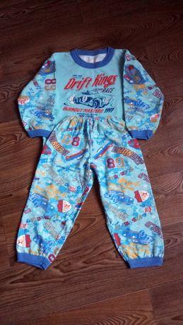 Пижама утепленная на 4-5 лет