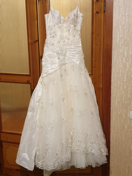 Продаётся дизайнерское свадебное платье. Дизайн - Оксана Муха.
