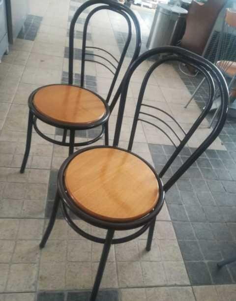 ACM718 - Cadeiras