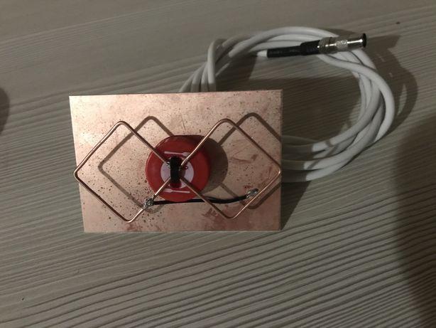 Антена для Т2 компактна 7х10см з антенним кабелем 2м