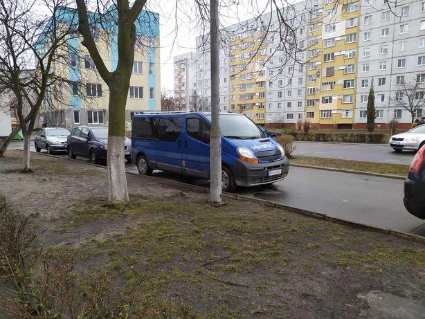 Renault Trafic 1.9 Long Passenger
