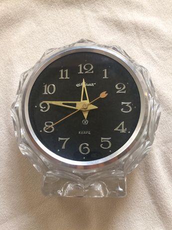 Часы Маяк настольные, кварц, СССР