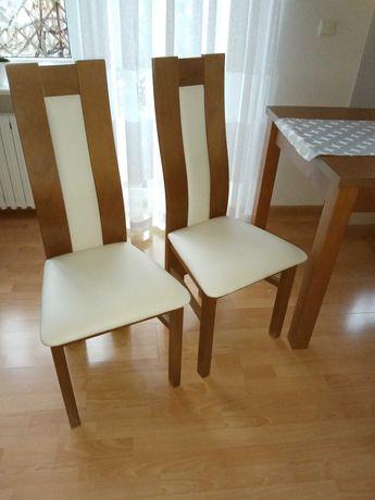 Sprzedam 4 Krzesła w bardzo dobrym stanie