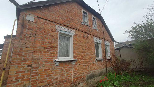 Продам отдельно стоящий дом в Русской Лозовой. С удобствами.