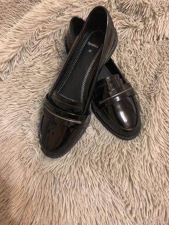 Туфли женские, Bershka