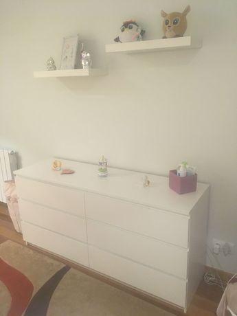 Comoda Malm Branca 6 gavetas e 2 prateleiras de parede