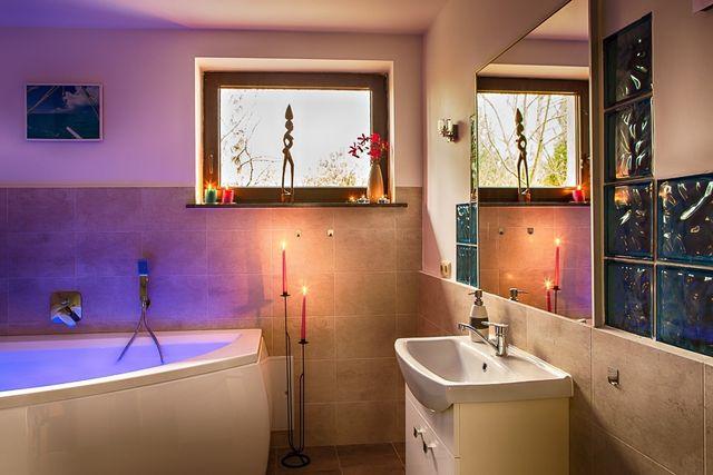 150 m2, 4 sypialnie i salon z kuchnią , sauna, jacuzzi, 8 km od Lublin