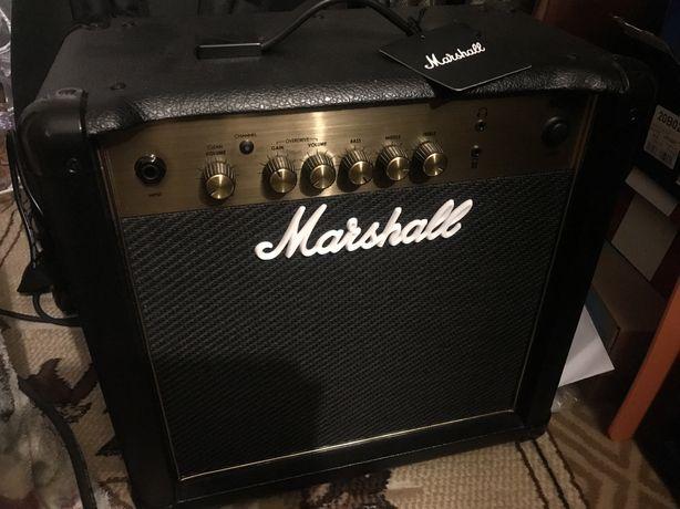 Продам комбик Marshal Mg15