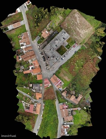 Terreno em Pedroso (Carvalhos)