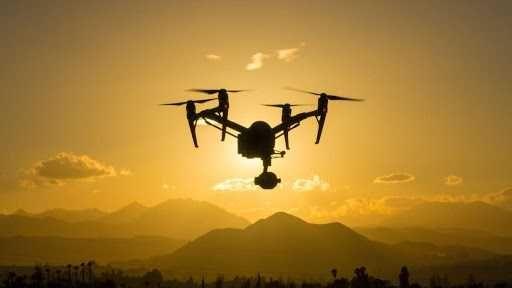 Prestação de serviços com drone. Fotografia
