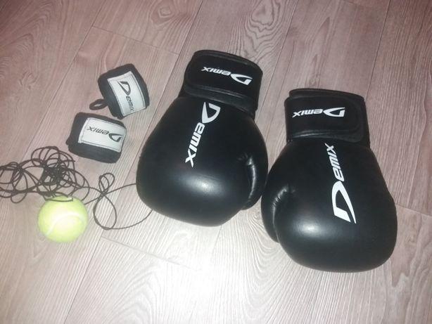 перчатки боксерские Demix , бинты+мяч