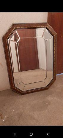 Espelho decorativo.