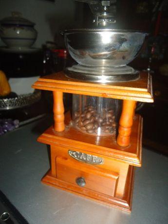 Moinho de Café em Madeira