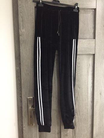 Spodnie dresowe welurowe NOWE
