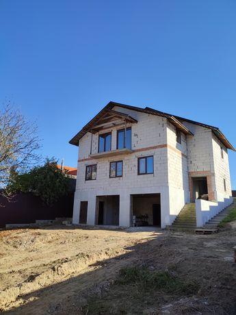 Будинок площею 300 м.кв.